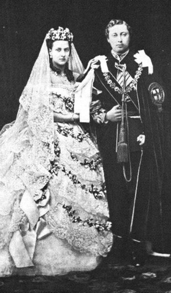 350px-King_Edward_VII_and_Queen_Alexandra_-_Wedding_-1863_-cropped