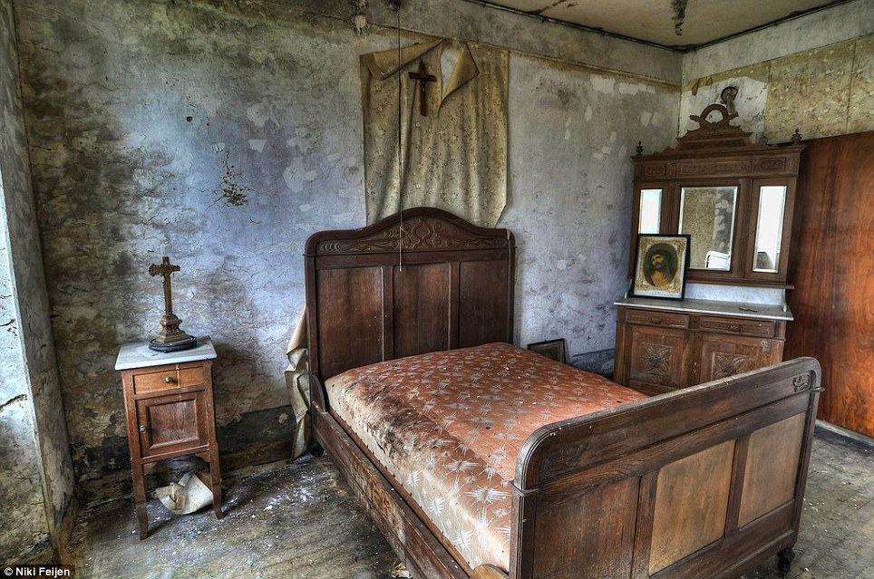 Abandoned Homes in Europe « The Thinking Housewife
