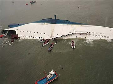 korea_ferry_evacuation_AP_360x270